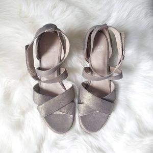 Eileen Fisher Vero Cuoio metallic sandals size 8